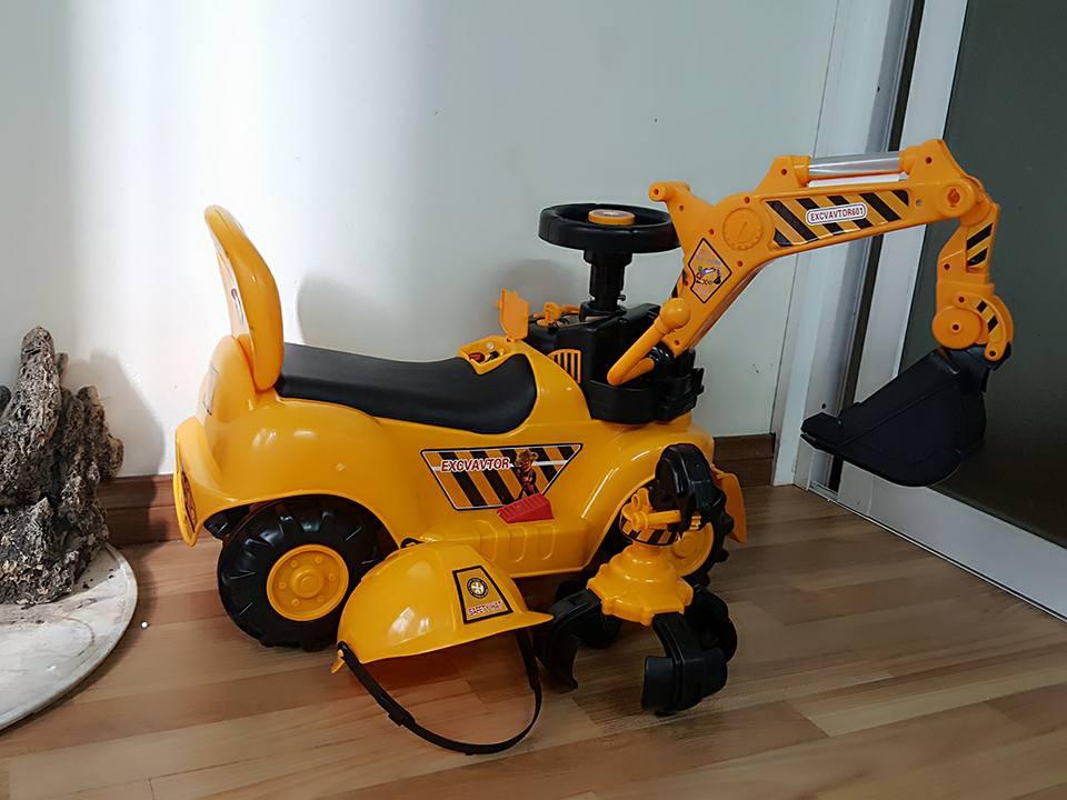 Đặc điểm của xe cần cẩu điện trẻ em cho trẻ con