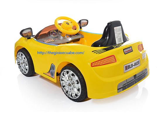 ô tô điện trẻ em 8620